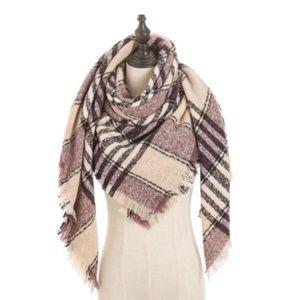 NWT Plaid Blanket Scarf Wrap